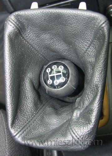 Wymiana i montaż mieszka na biegi w Opel Astra G